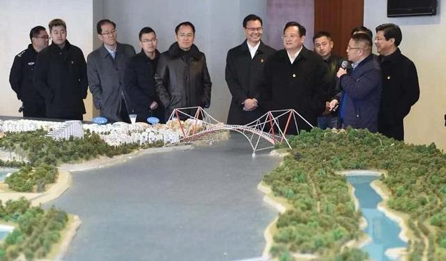 市政府与上海虹桥商务区管委会深化战略合作座谈会举行