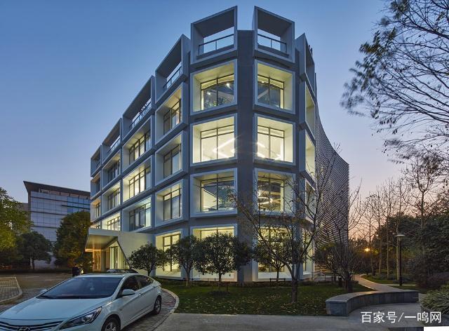 """这栋有""""生命""""的办公楼,正在引领建筑的智慧化浪潮"""