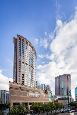 大上海时代广场,淮海路商业综合体的开创者 ——集高端购物中心、国际酒店服务公寓、甲级写字楼于一体的时代地标